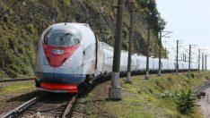 Demir İpek Yolu'nun İlk Treni Hedefine Ulaştı!